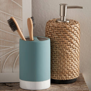 Rubber Coated Toothbrush Holder