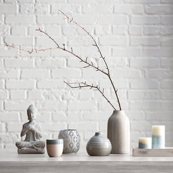 Table de vase pointillé en ciment