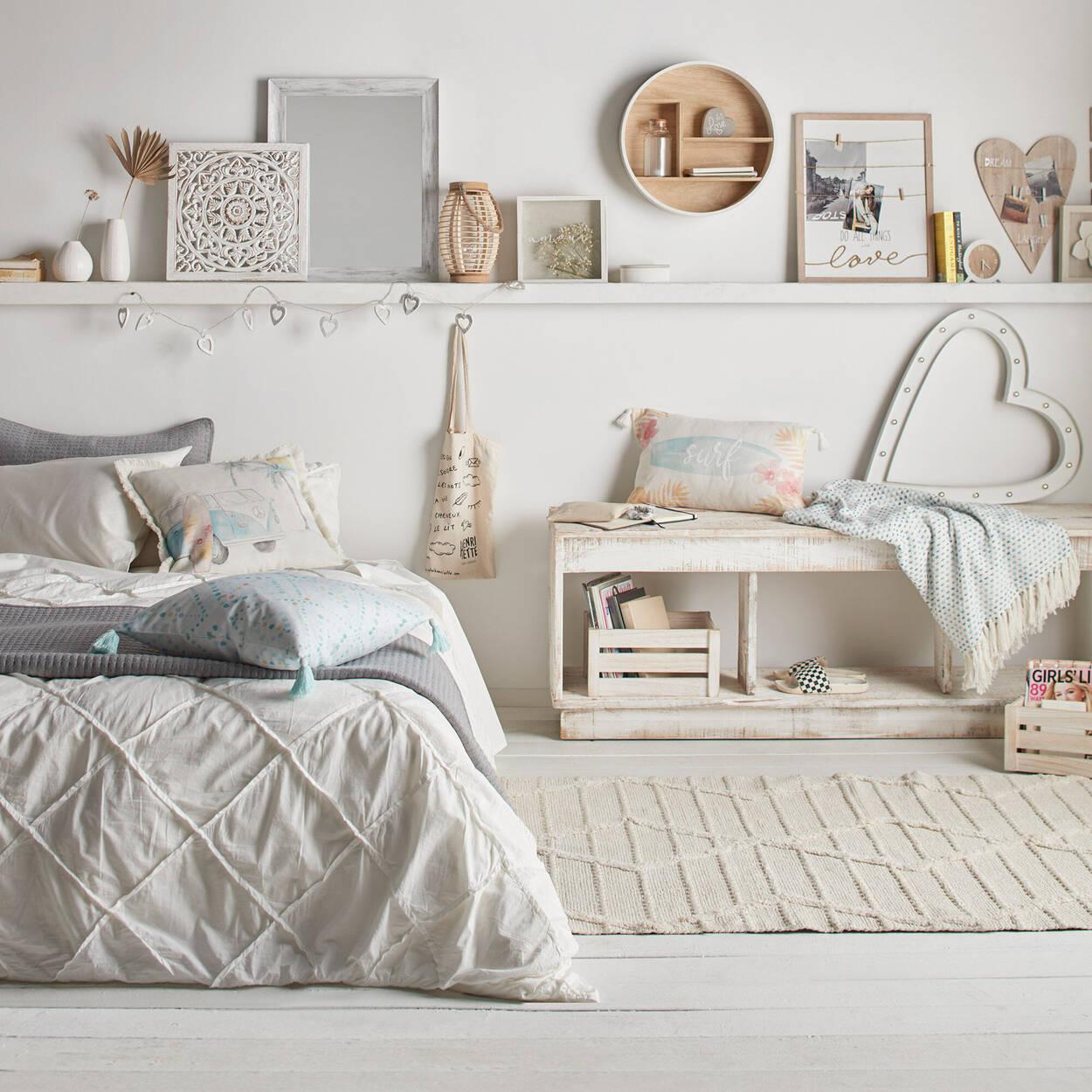 """Macy Decorative Tassel Pillow 19"""" X 19"""""""