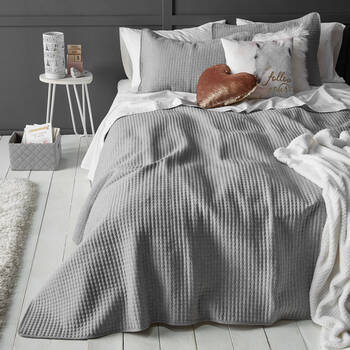 Popcorn Collection Coverlet Set