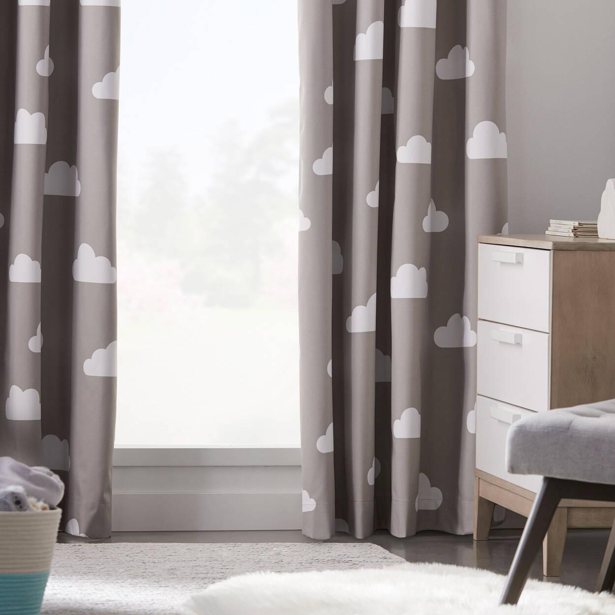 Rideau coupe-lumière avec motifs de nuages