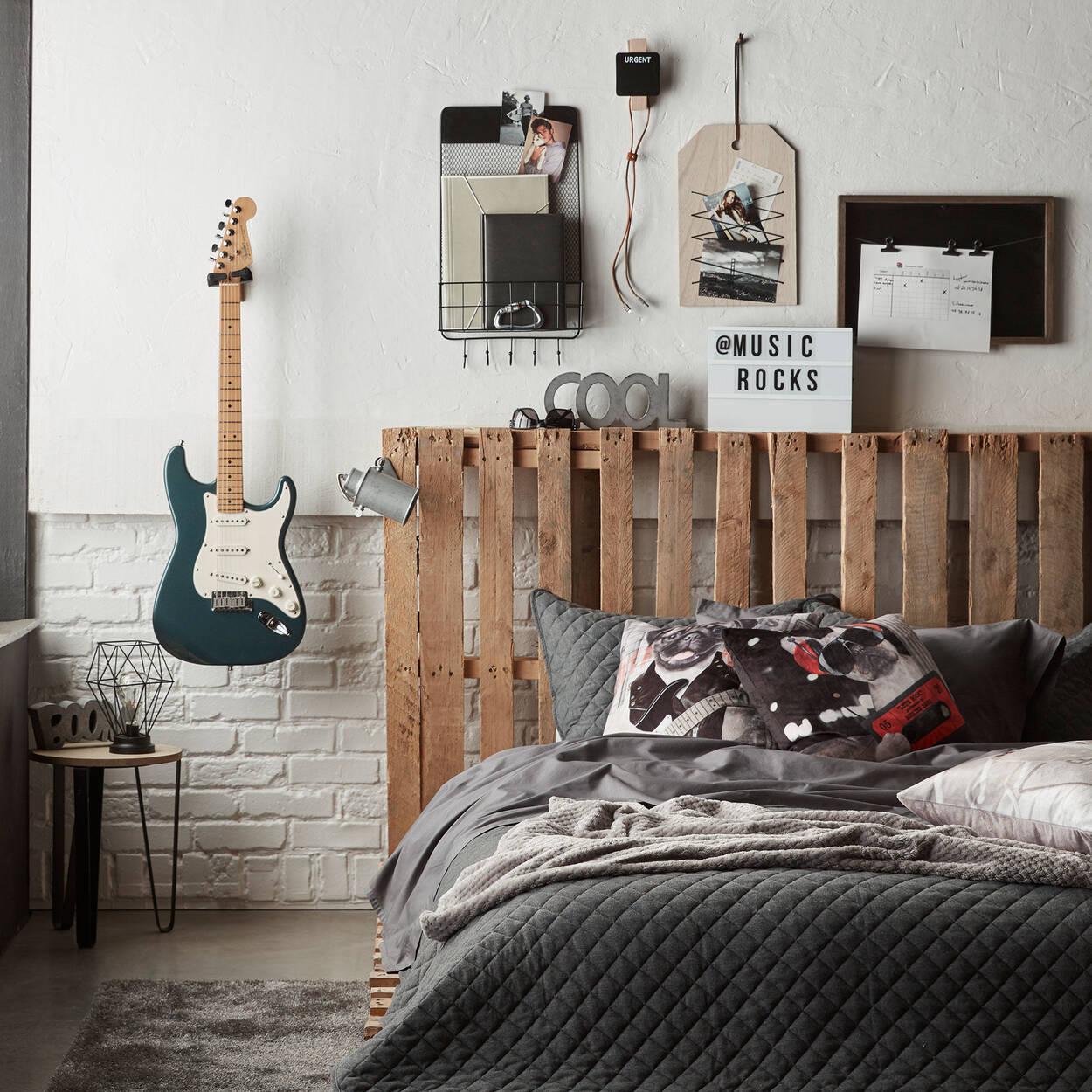 mot d coratif en ciment boom. Black Bedroom Furniture Sets. Home Design Ideas