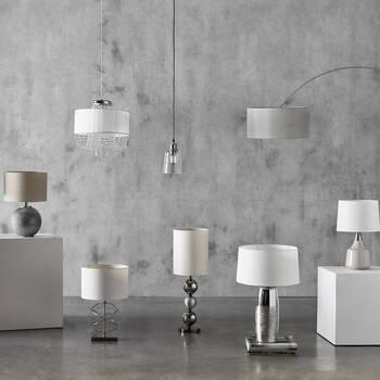 Lampe de table avec abat-jour en papier