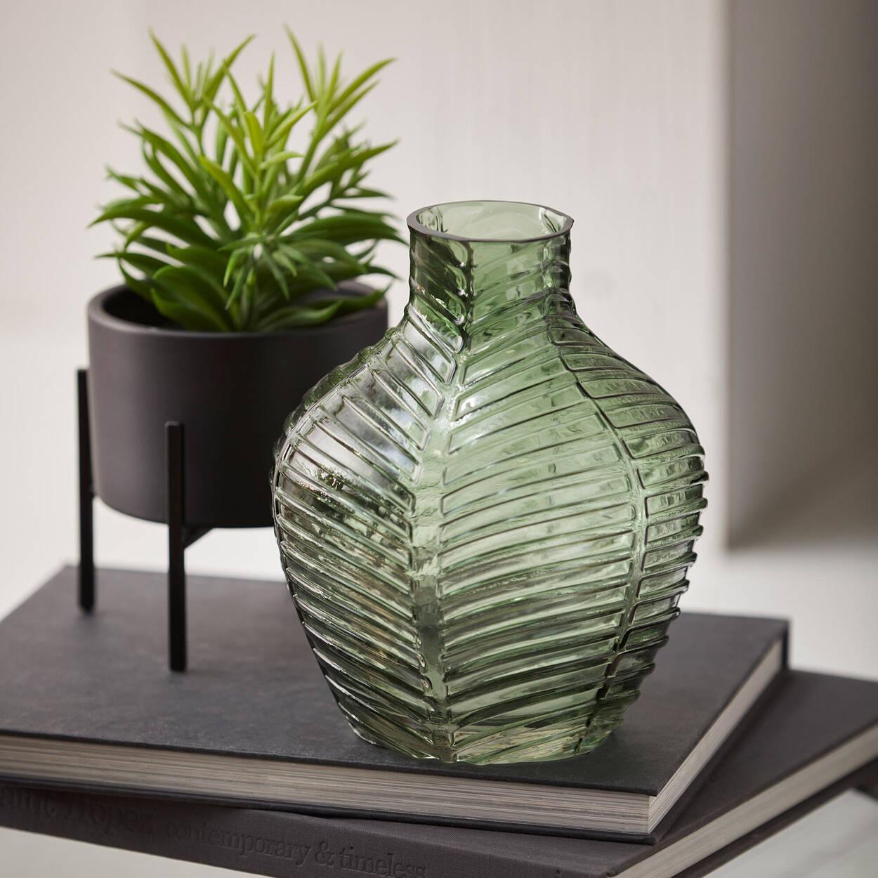 Vase en forme de feuille
