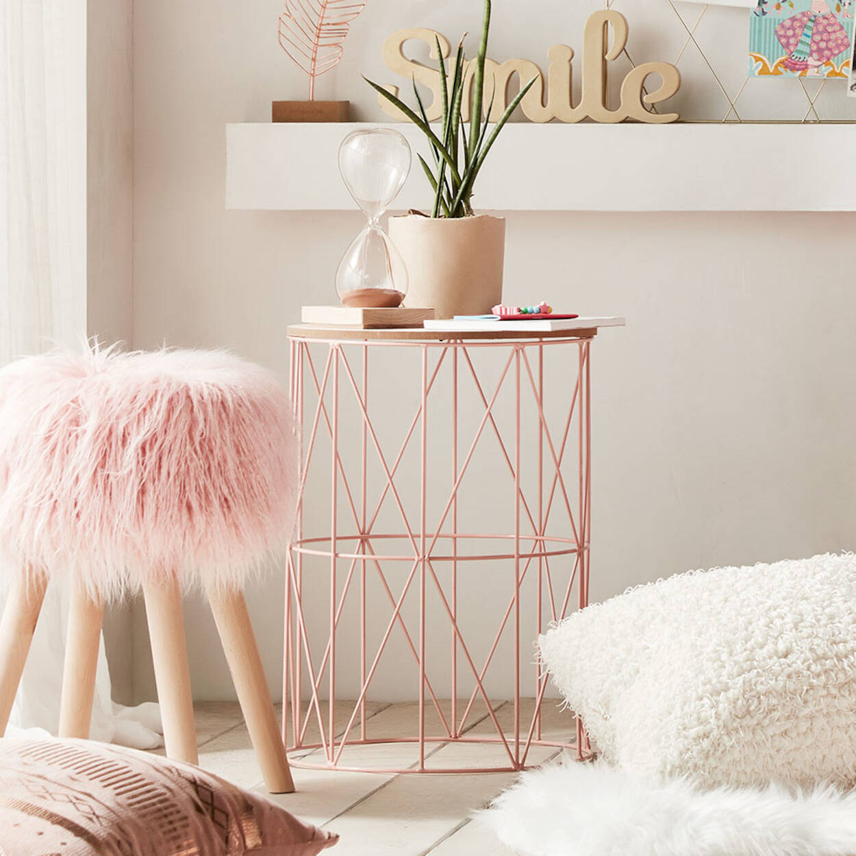 Metal Wire and Wood Side Table