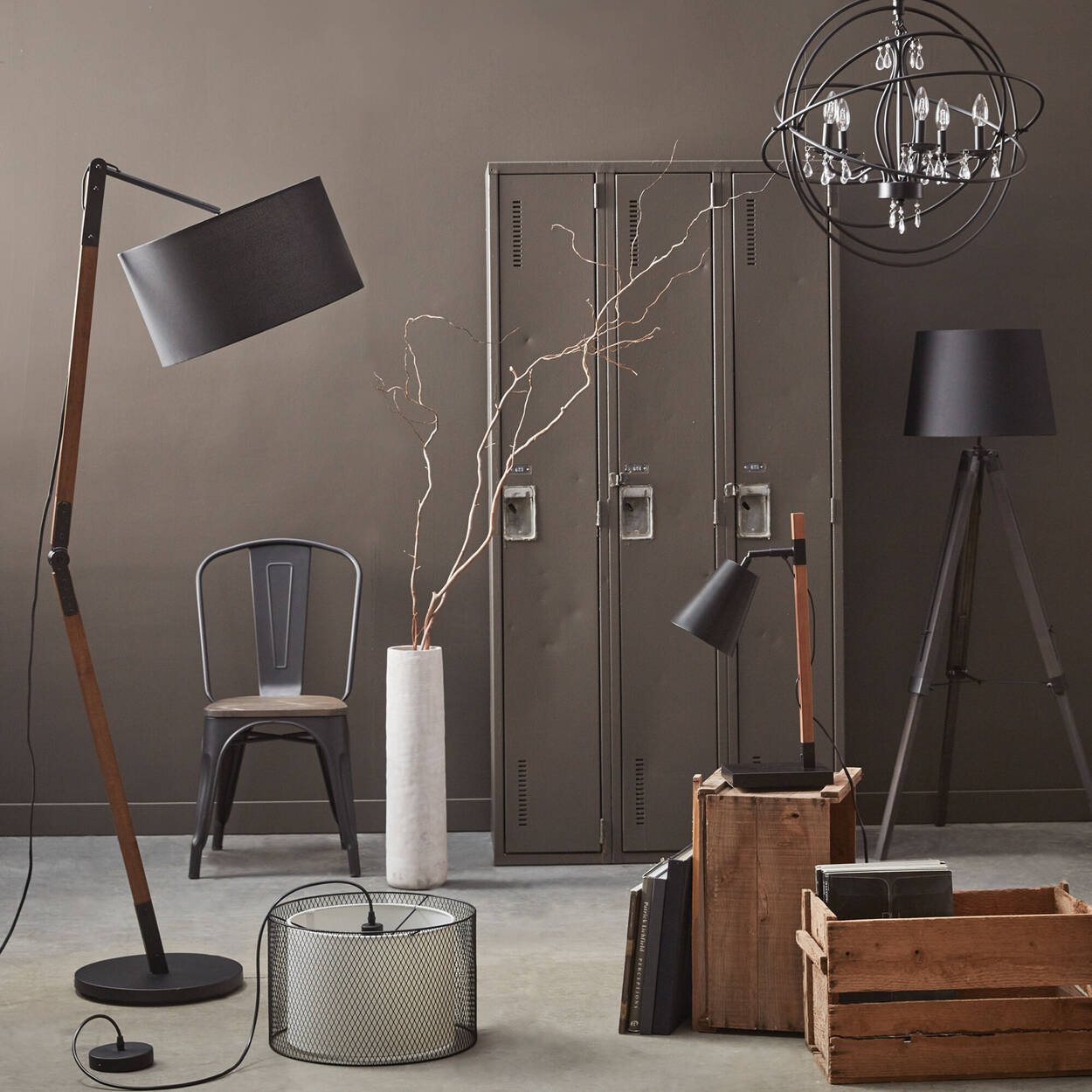 Wood and Metal Table Lamp