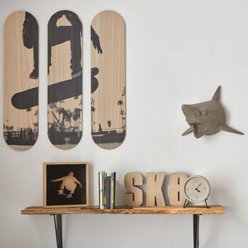 Mot décoratif SK8 en bois