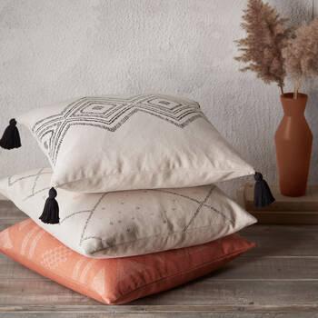 "Vilma Pillow Cover 18"" x 18"""