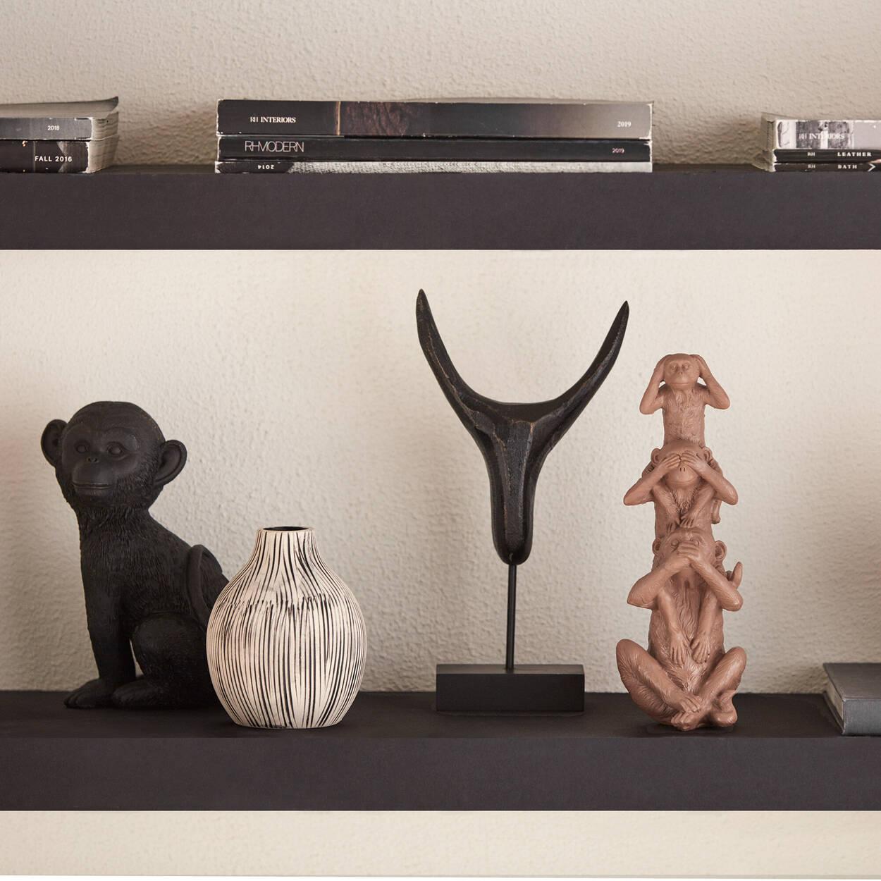 Tête de taureau décorative abstraite sur support