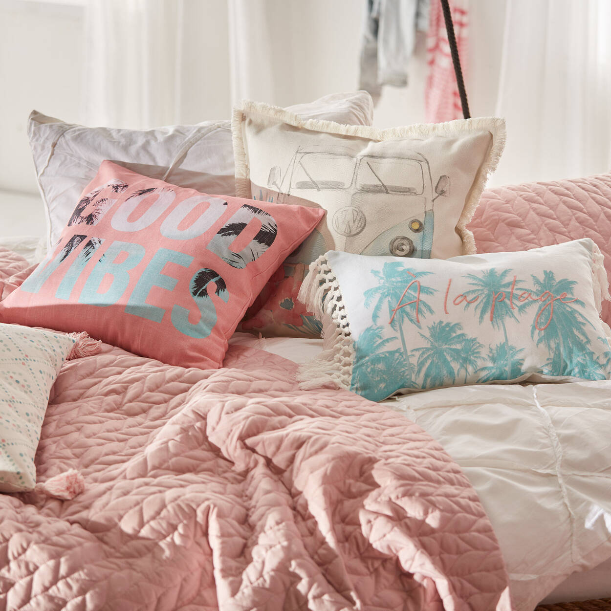 """À la Plage Decorative Lumbar Pillow 13"""" x 20"""""""