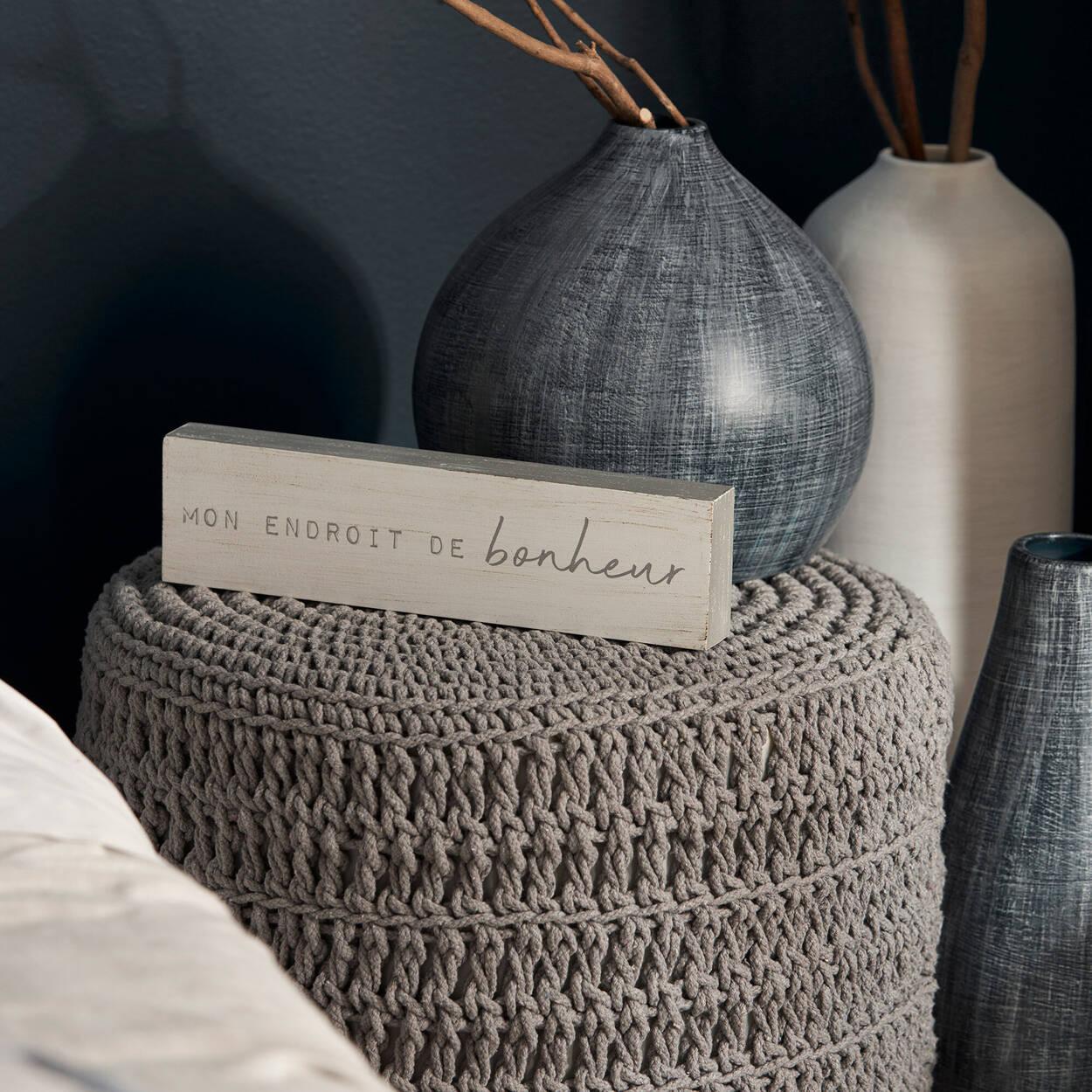 Vase en céramique rayé