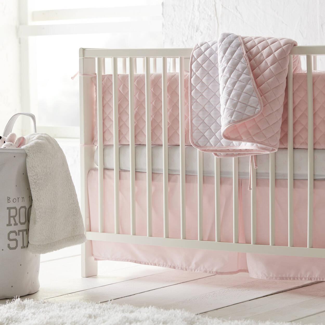 jupe de lit pour berceau. Black Bedroom Furniture Sets. Home Design Ideas