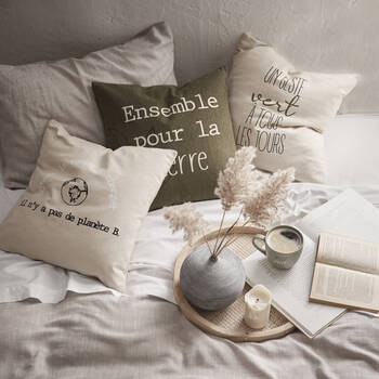 Ensemble pour la Terre Cushion Cover