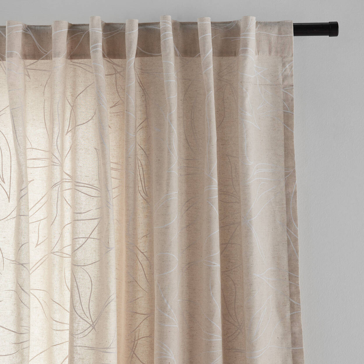 Jamika Curtain with White Vectoral Leaves