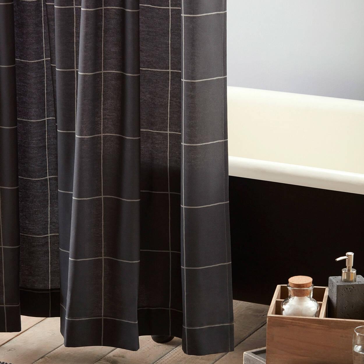 Rideau de douche shayne for Accessoires de salle de bain bouclair
