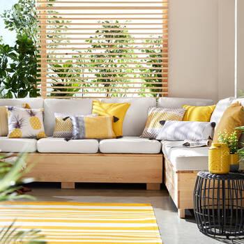 "Water-Repellent Decorative Pillow 18"" X 18"""