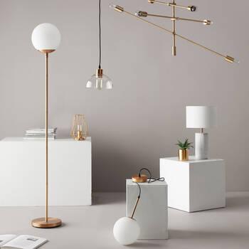 Lampe de table géométrique en fil de fer