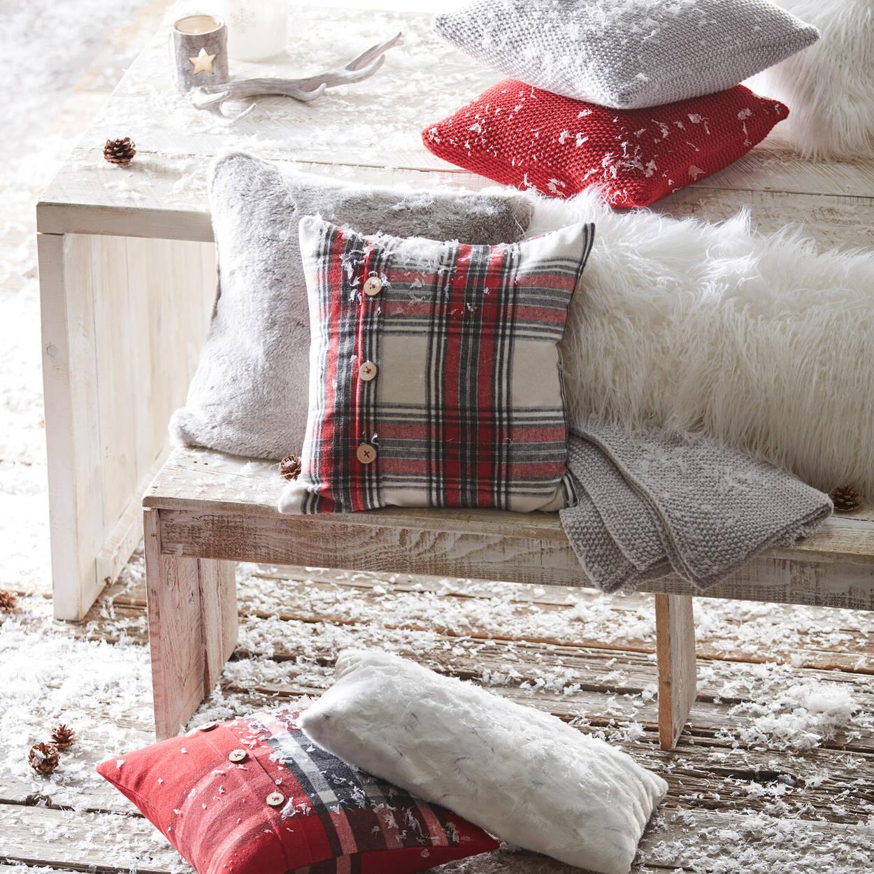 """Ajorn Plaid Decorative Pillow 20"""" X 20"""""""