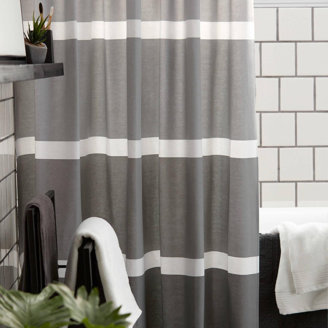 rideau de douche nuances de gris. Black Bedroom Furniture Sets. Home Design Ideas