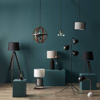 Lampe de table géométrique en tige de métal