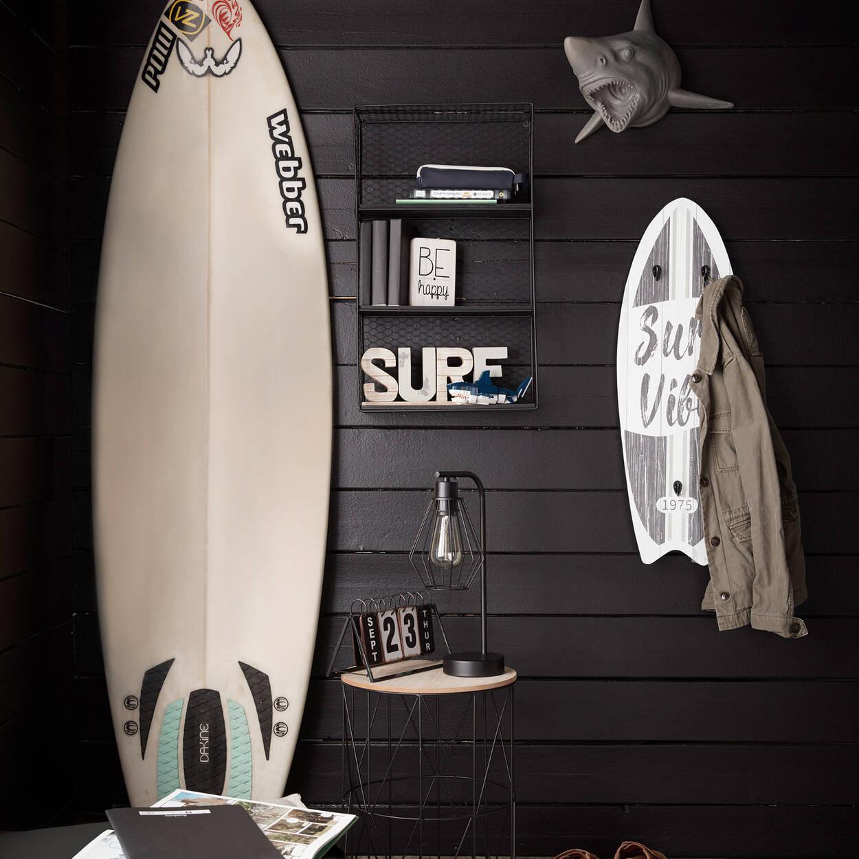 Planche de surf avec crochets