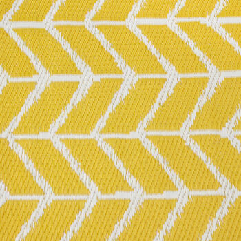Medium Yellow Outdoor Rug