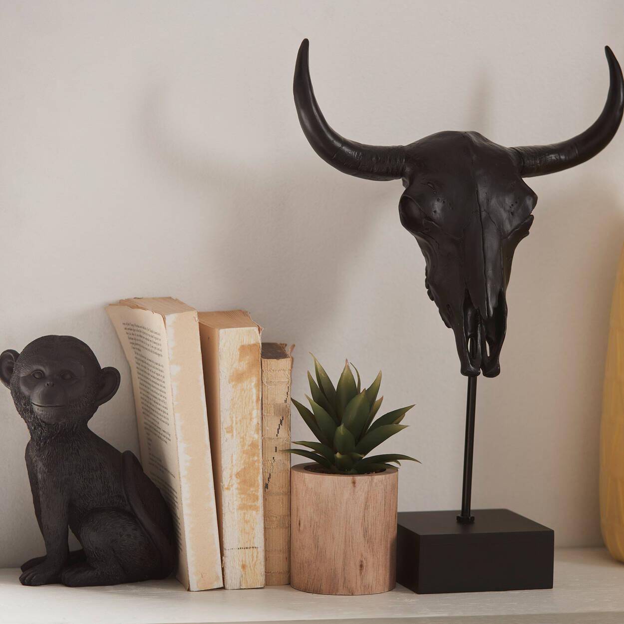 Tête de taureau décorative sur support