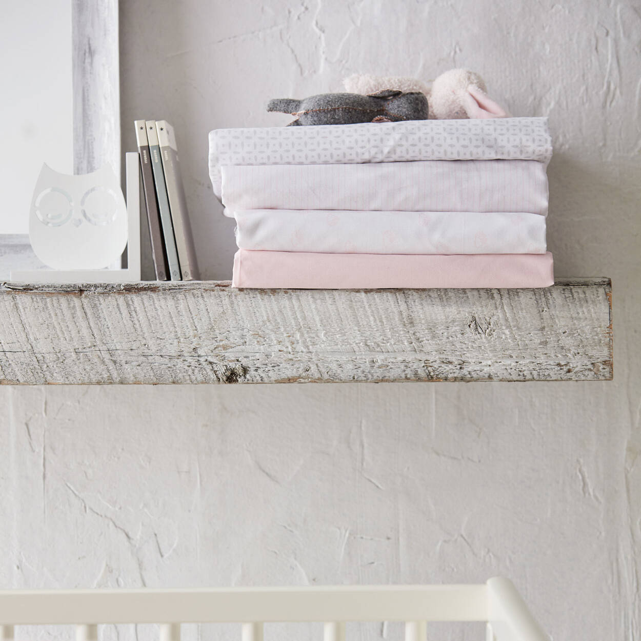 drap housse pointill pour lit de b b. Black Bedroom Furniture Sets. Home Design Ideas