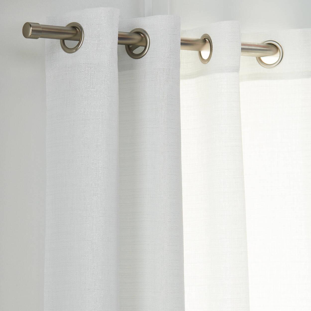 Lazaro Curtain