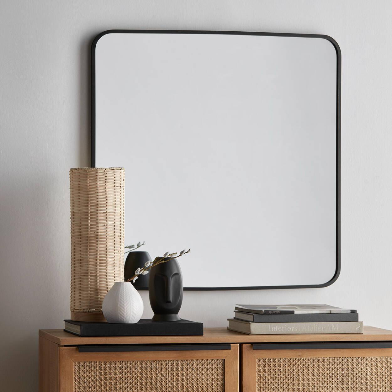 Miroir d'angle rond à cadre en aluminium