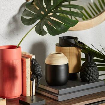 Vase corail avec texture gauffrée